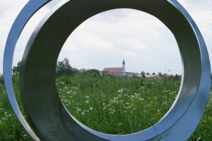 Ringskulptur im Stadtpark